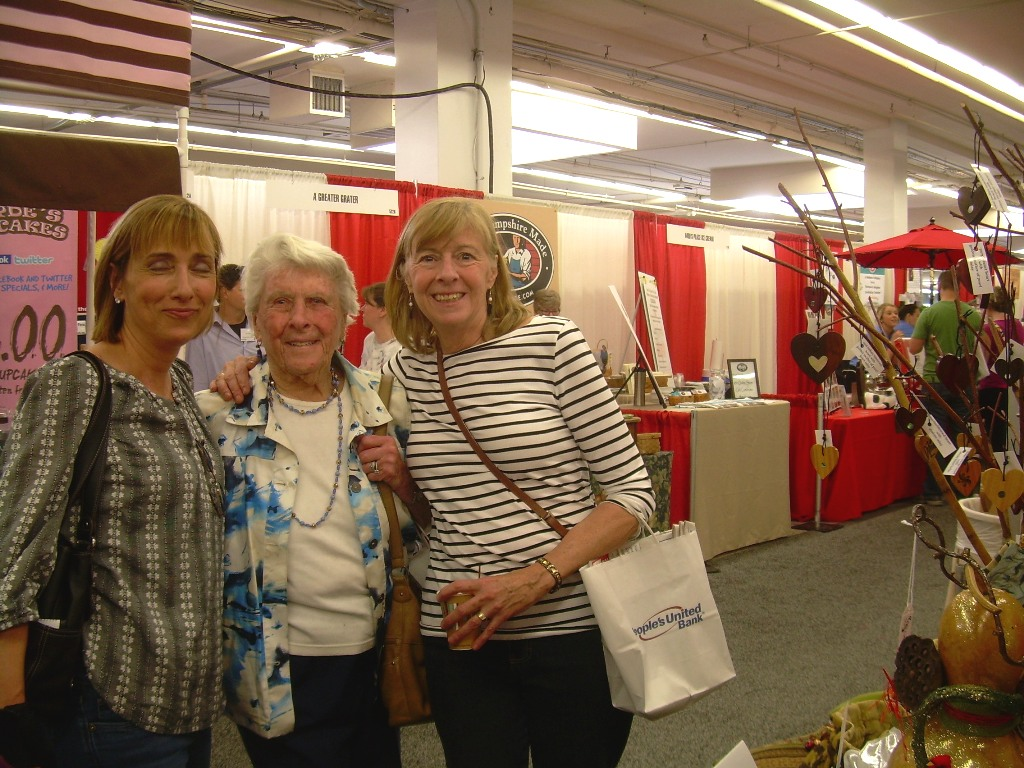 Thanks Donna, Dot and Betsy for allowing me to take your picture after your purchase!  (Sorry for the closed eyes, I didn't have my close glasses on)
