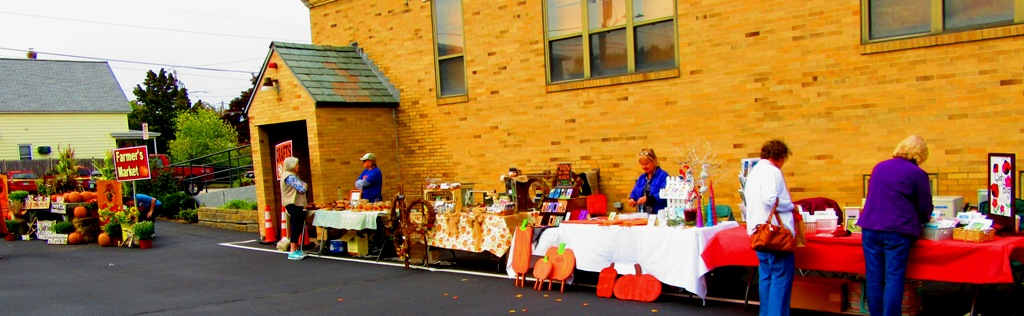 Vendors aligned the church lot with many great gift items for the holidays or any day and on the far left was a farmer's market.