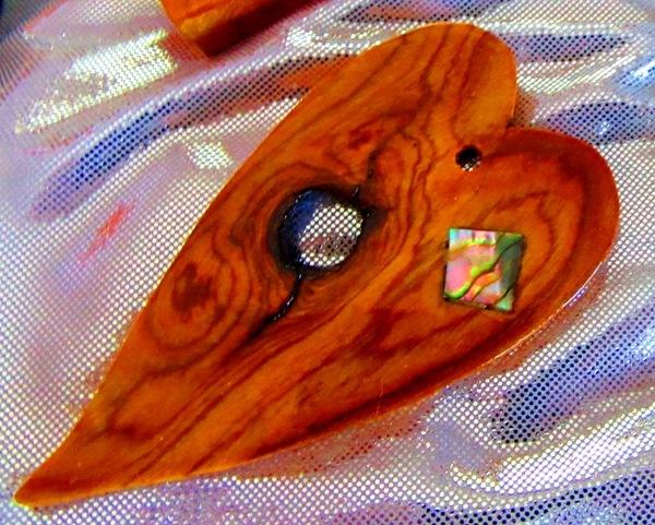 Bocote wood heart with abalone diamond shape inlay