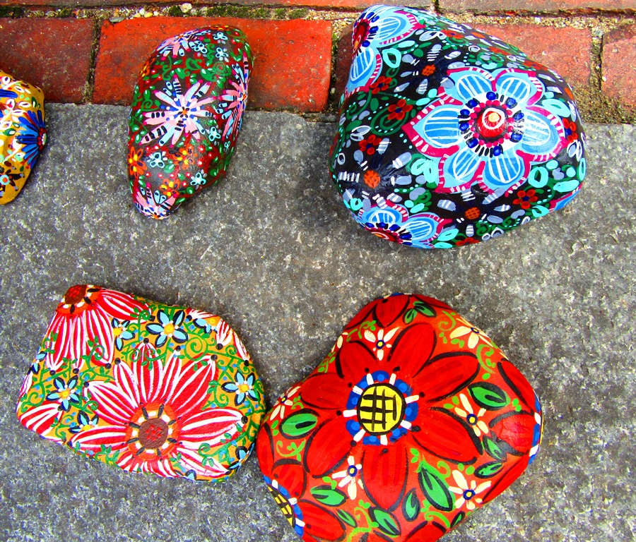 Flannery Black-Ingersoll's hand-painted rocks