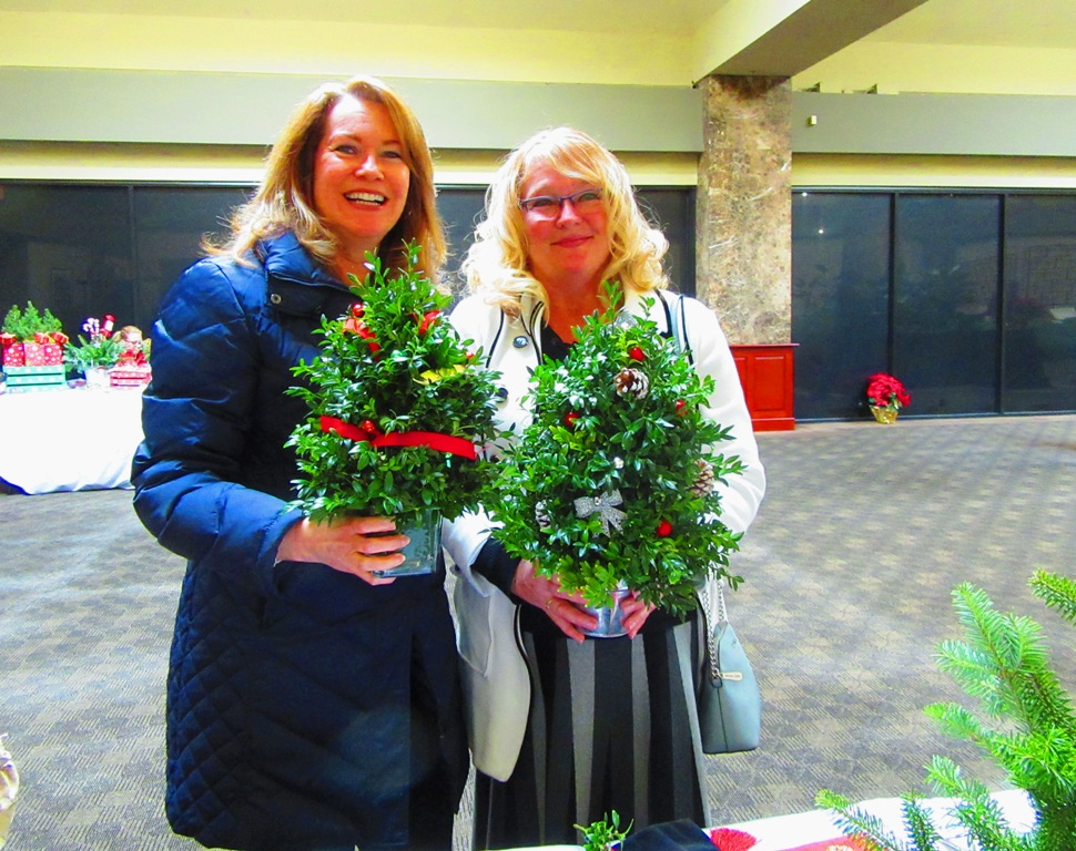 Lisa also bought a boxwood tree besides all the hearts and Vivian purchased a larger version.  Thanks so much guys!