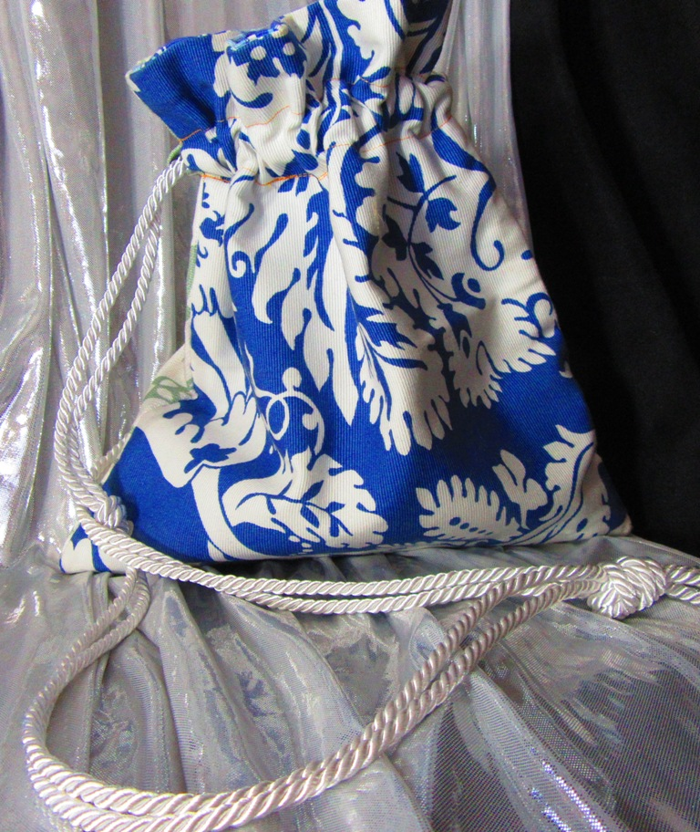 Blue side of this summery bag
