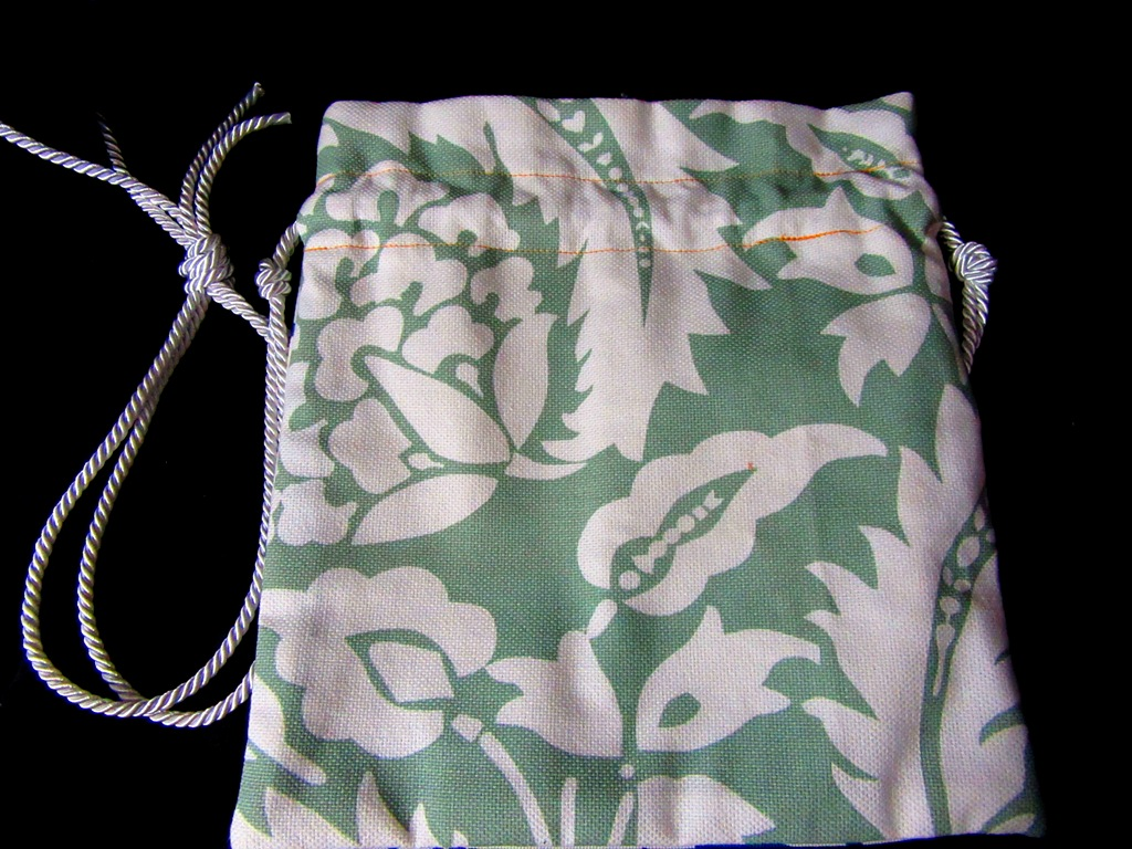 Green side of the summery bag