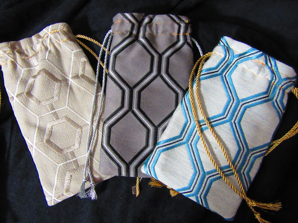 glass case drawstring bags side 1