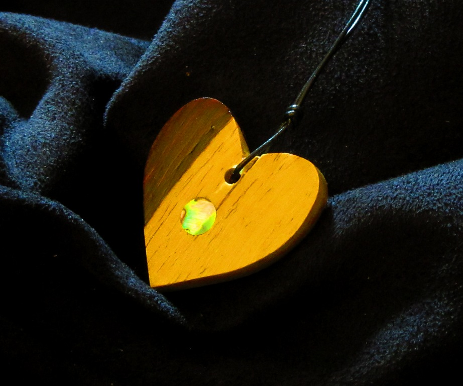 Cocobolo heart with abalone dot inlay