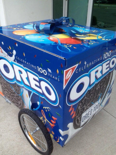 Bike trailer wrap - Oreos