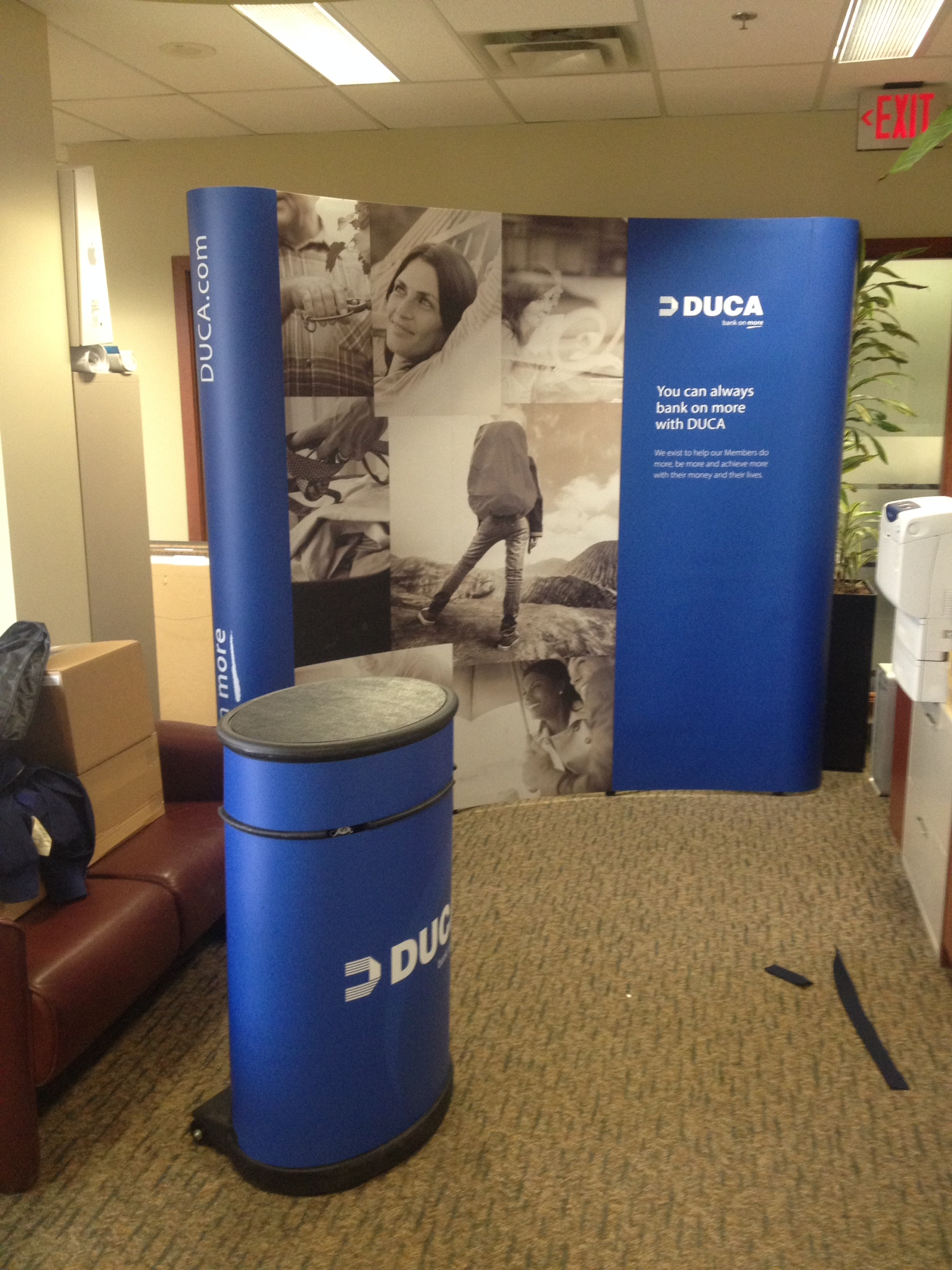 Curved booth display and podium - DUCA