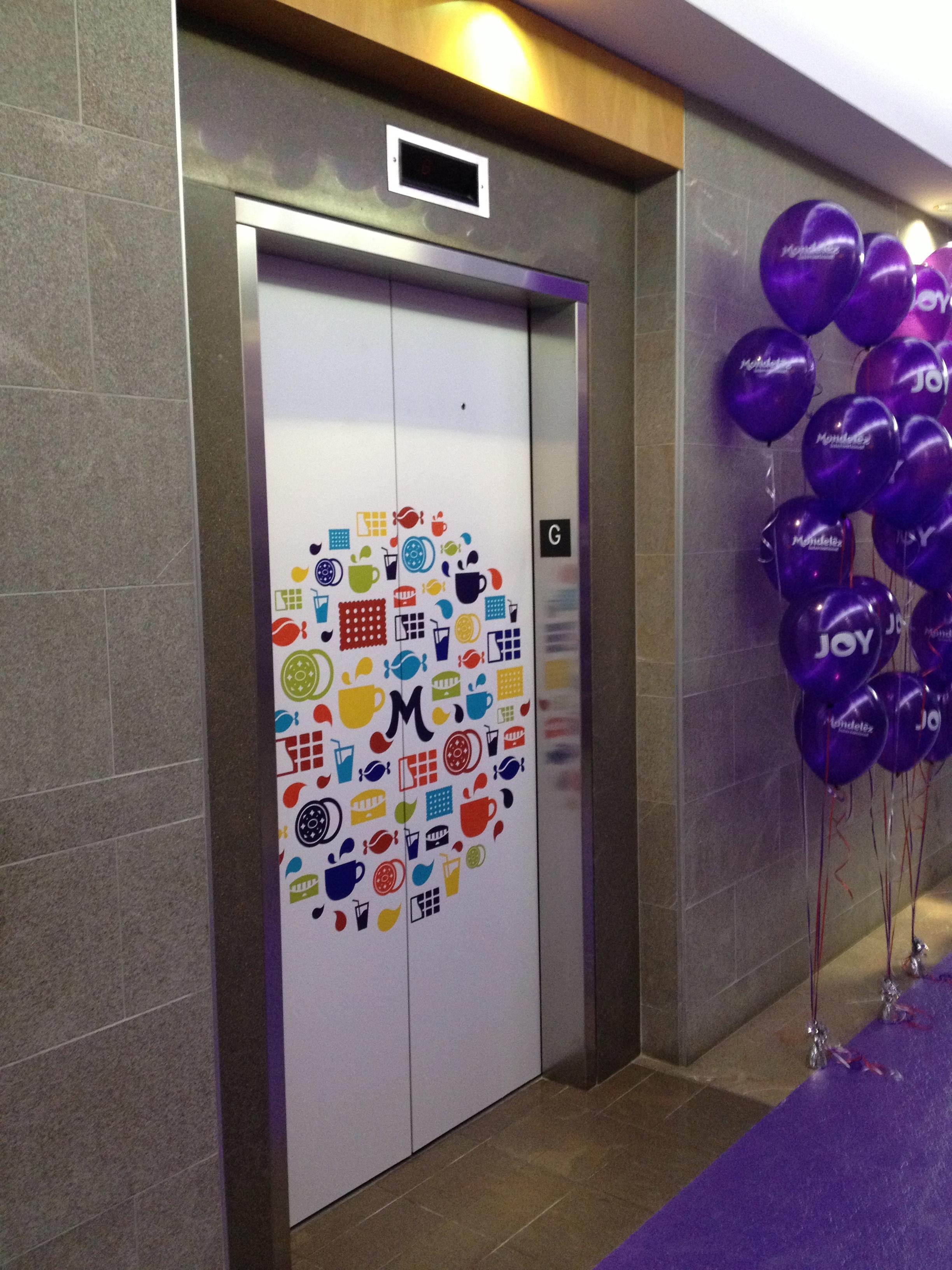 Elevator door graphics - Mondelez