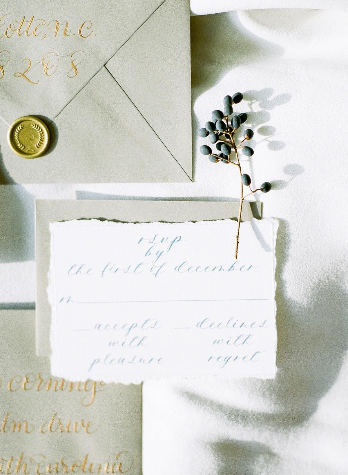 Ritchie_Hill_Wedding_Photos_timeless_winter_wedding_smm_photography_16.jpg
