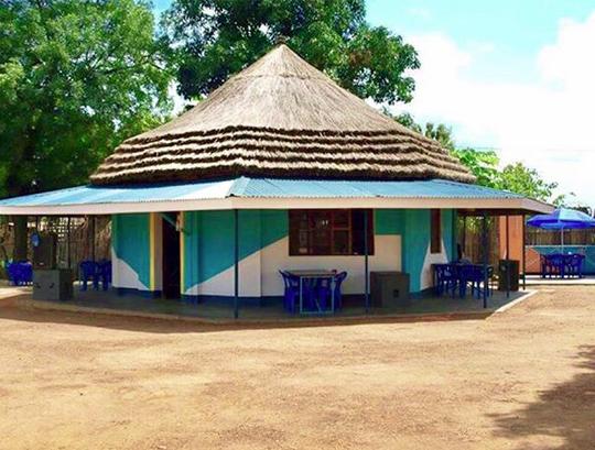 Acapella Restaurant - Adjumani, Uganda/ Architect + Design