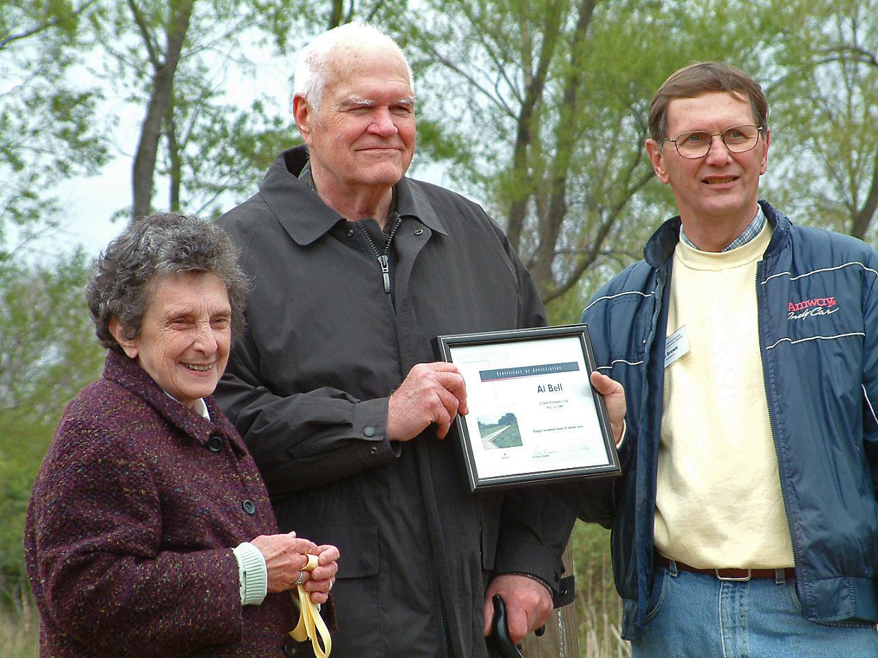 Al Bell receiving award