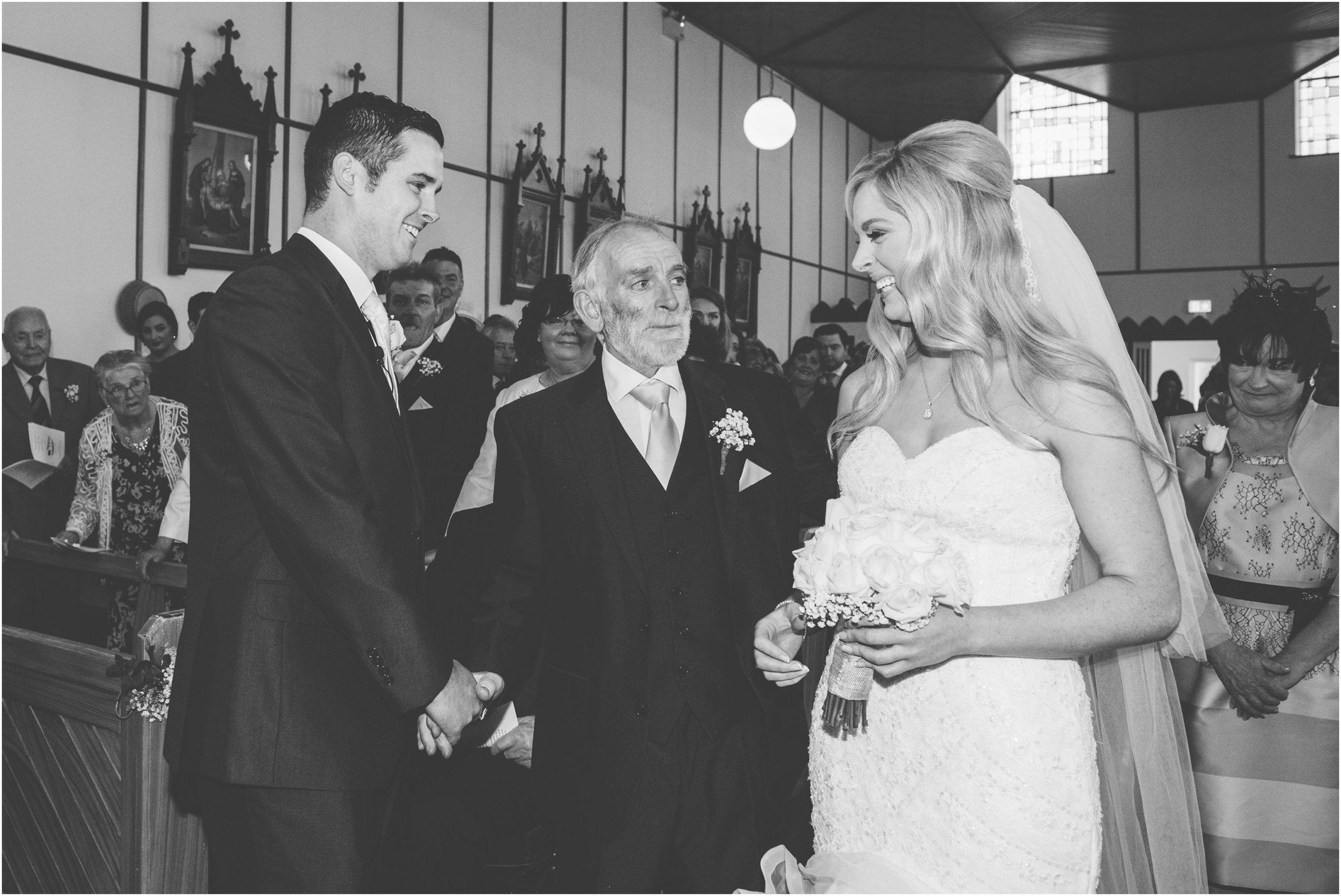 laura-lee-stephen-lough-erne-resort-wedding-photography-co-fermanagh_0031.jpg
