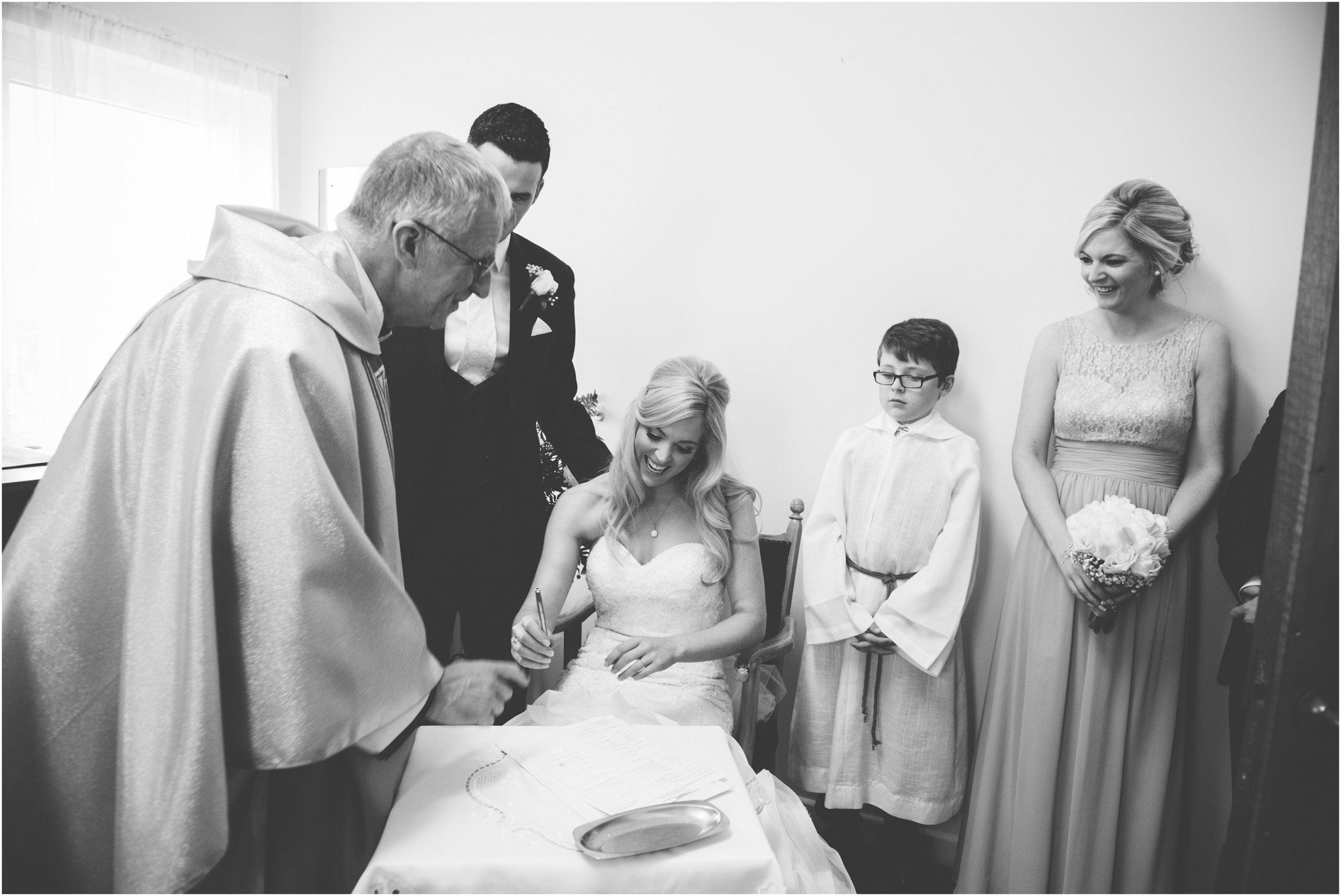 laura-lee-stephen-lough-erne-resort-wedding-photography-co-fermanagh_0037.jpg
