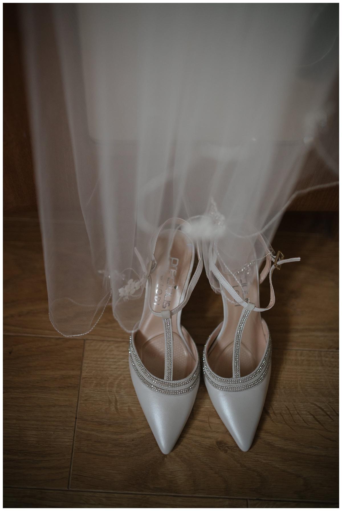 una_paul_cavan_crystal_hotel_wedding_jude_browne_photography_0004.jpg