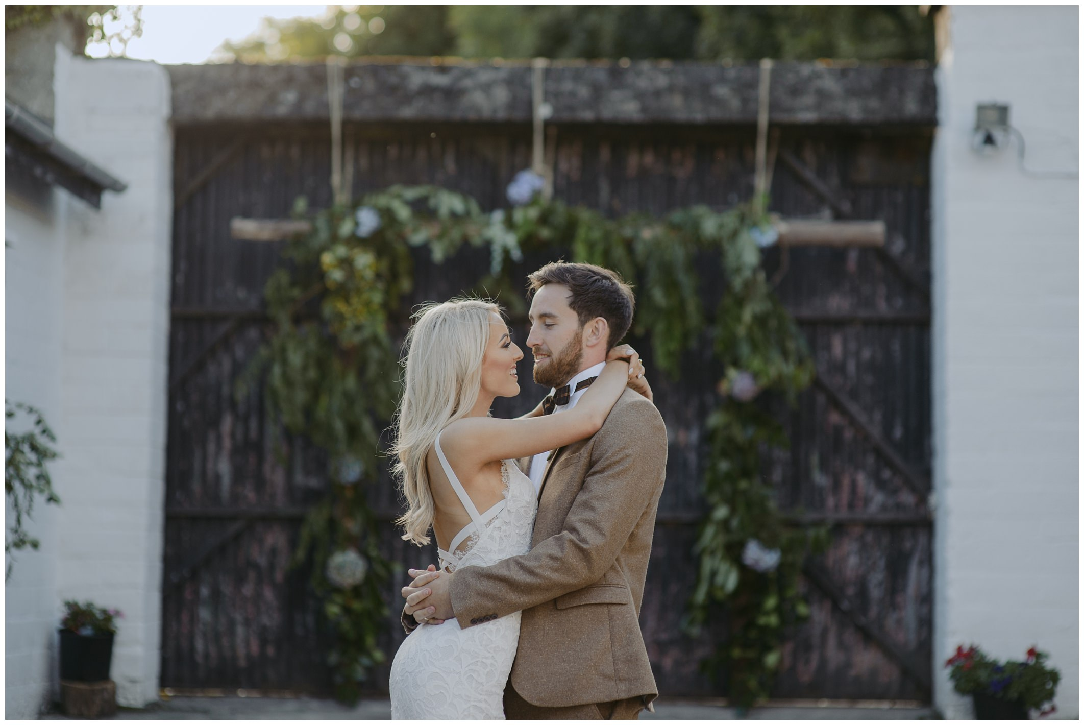tara_neil_the_mill_alternative_quirky_wedding_jude_browne_photography_0183.jpg