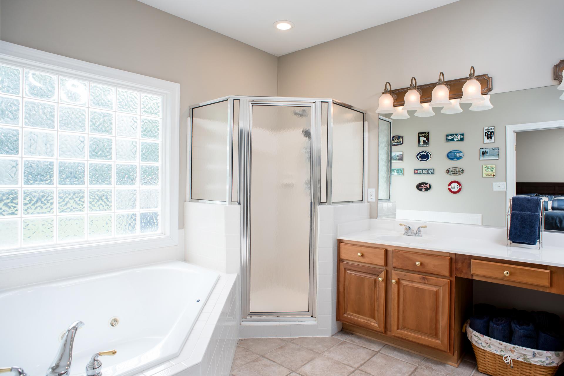 Updated Masterbath in Henrico Home