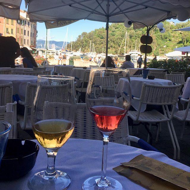 #livingonegramatatime #portofino Rich people and big boats.