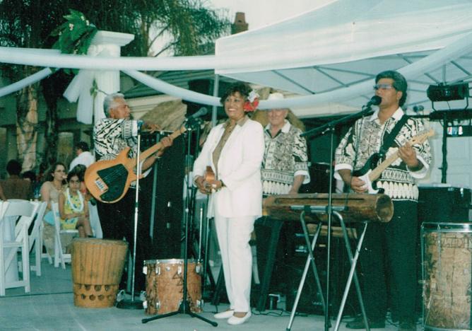 Band with Pan, Sone, grandma, and Tomasina.png