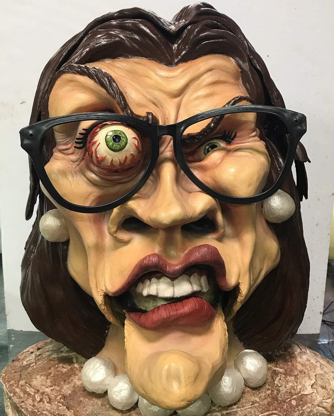 GLOMCO CEO Mask
