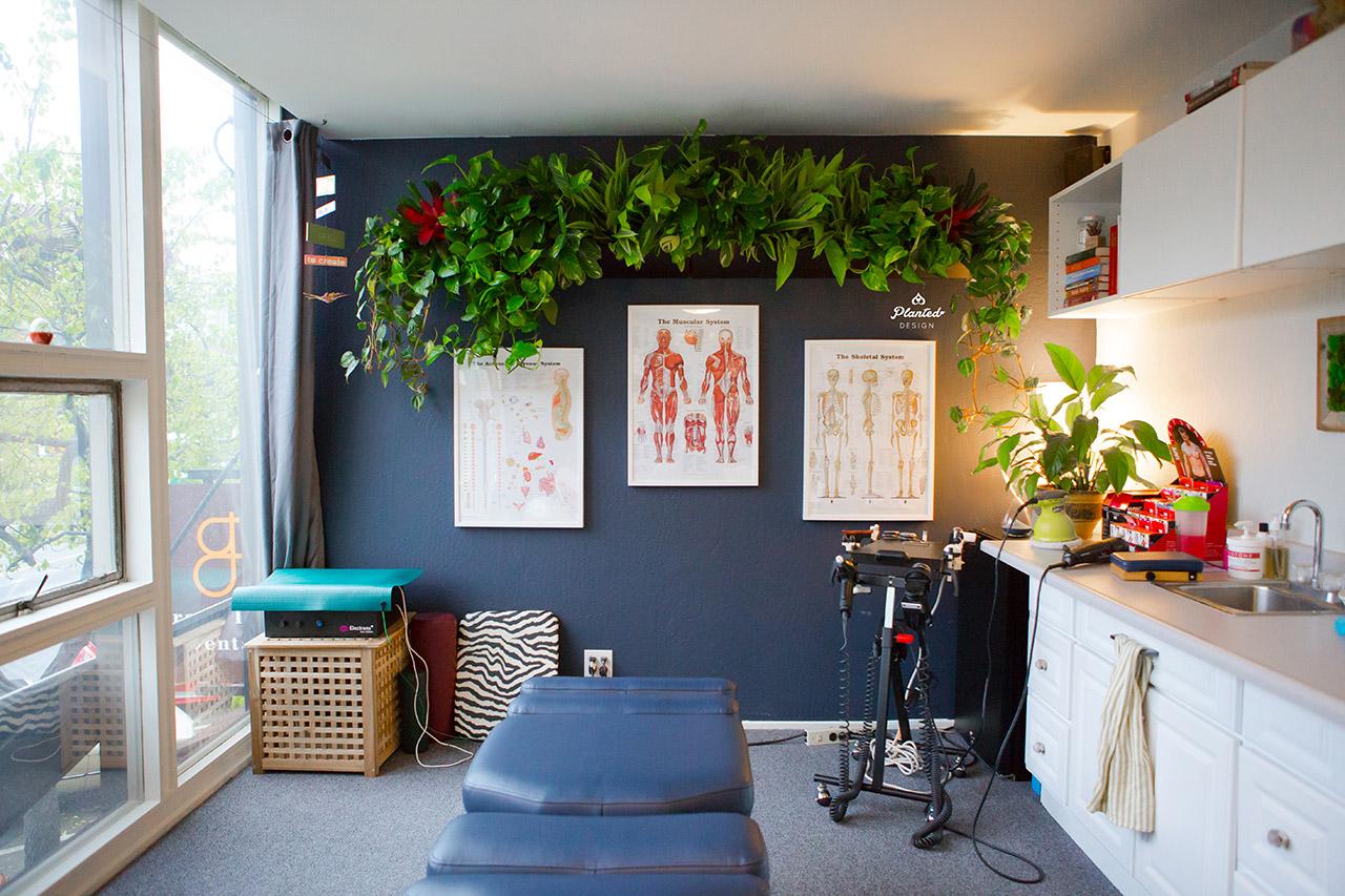 PlantedDesignLivingPreservedMossWallBackInBalanceChiropracticLogo-15.jpg