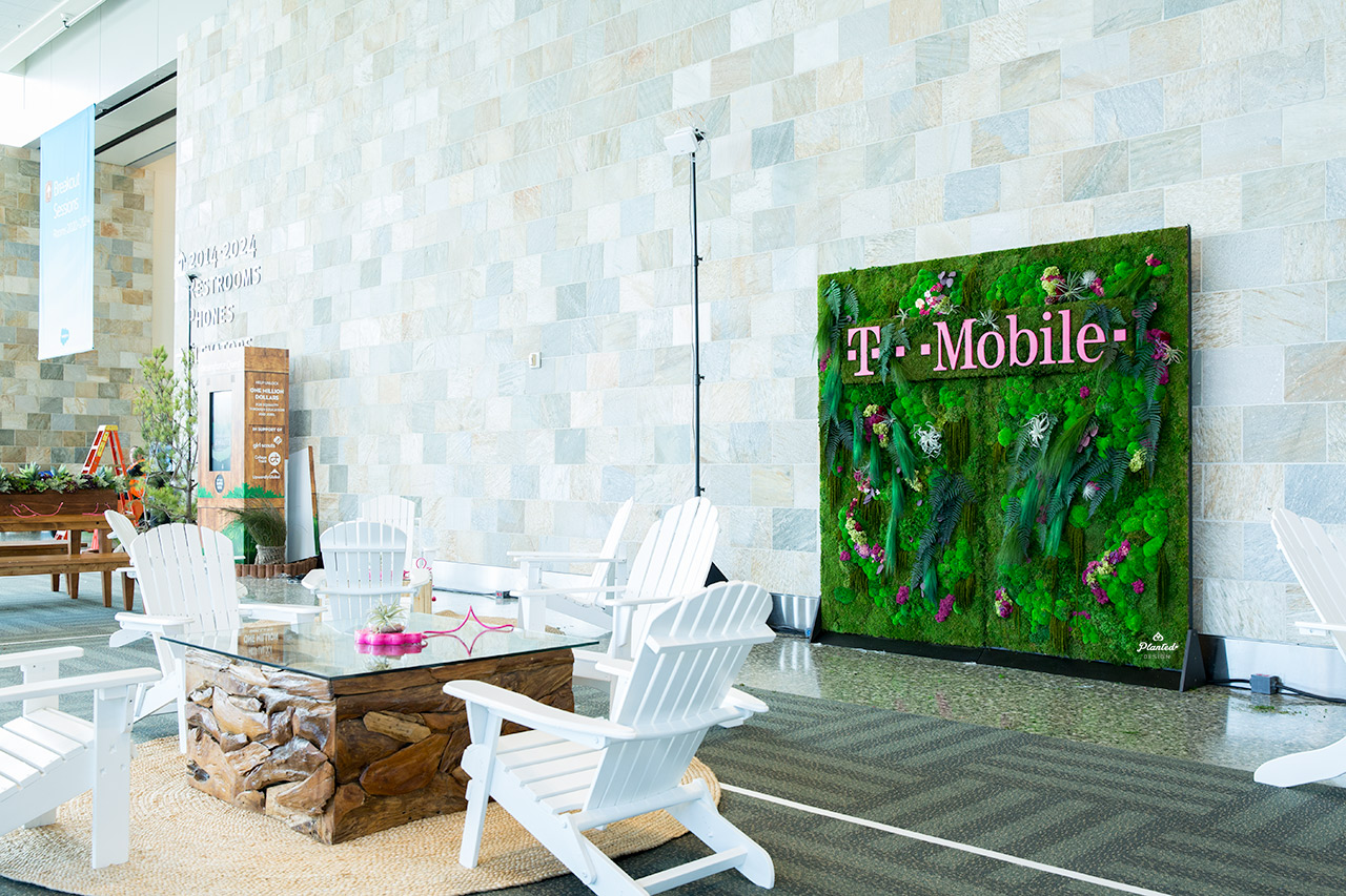 T-Mobile  - Rental Moss Wall