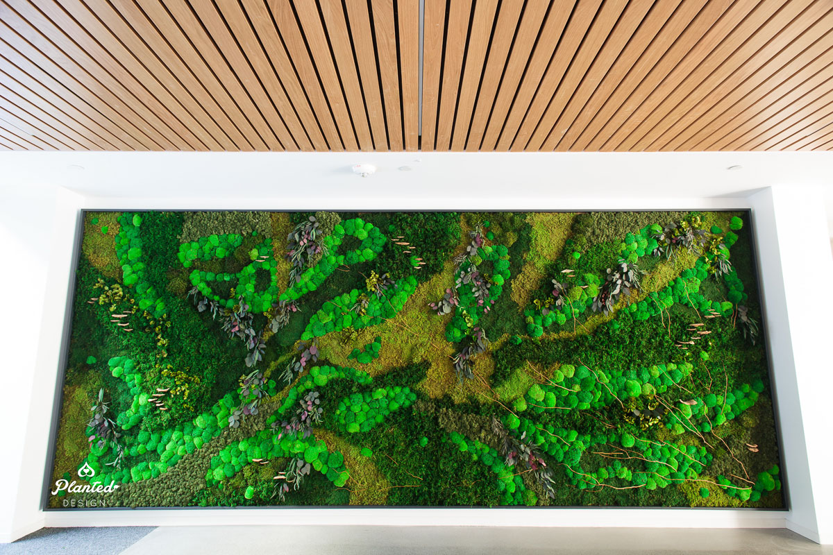 PlantedDesign_MossWall_Apple_Inc_DA02_HayesGroup_Cupertino_California_Lobby_0165.jpg