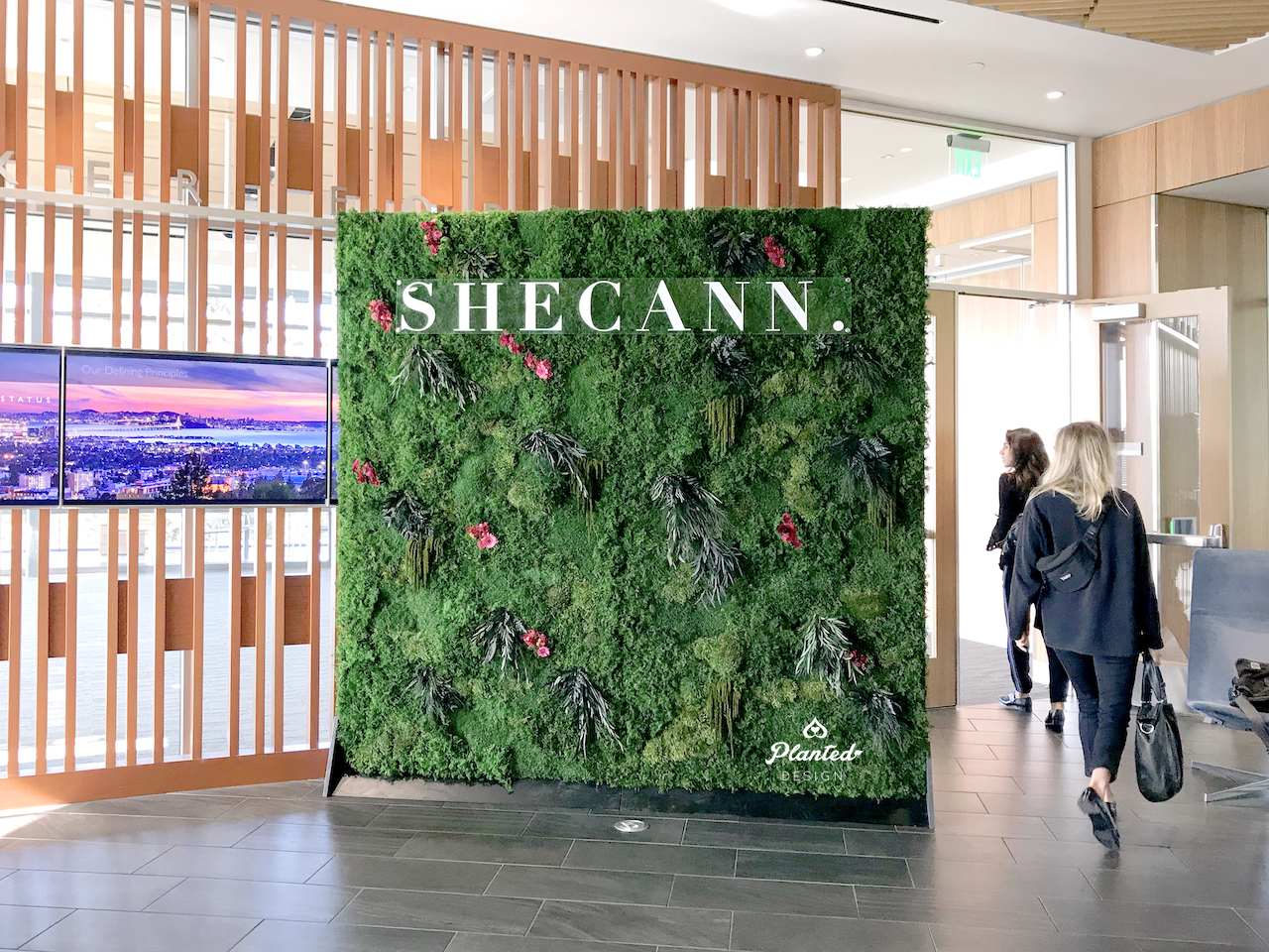 SheCann  — Rental Moss Wall