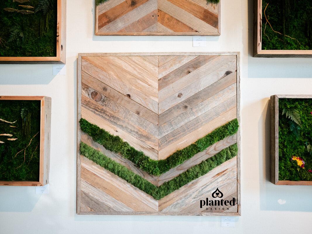 PlantedDesign_MossWalll_RubysCafe_Emeryville_California_Restaurant-4.jpg