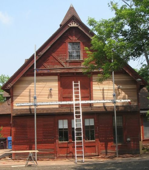 carriage house renovation.jpg