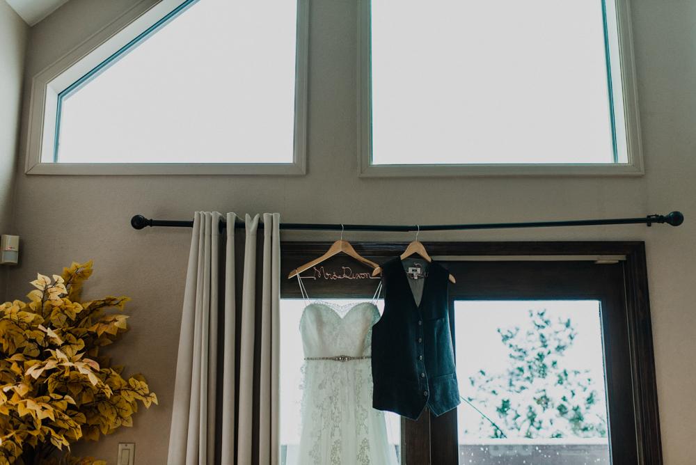 Evergreen-Lakehouse-Wedding-Colorado-Mallory+Justin-Photo-16.JPG