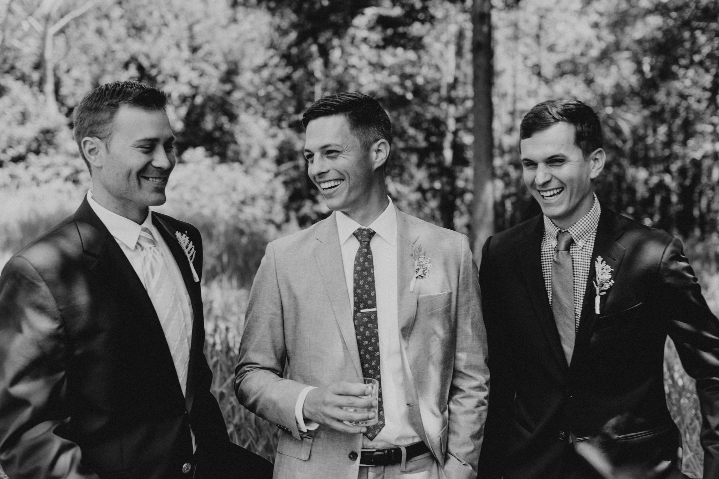 Intimate-Backyard-Farmhouse-Ohio-Wedding-Andi+Ben_Mallory+Justin-Photographers-114.JPG