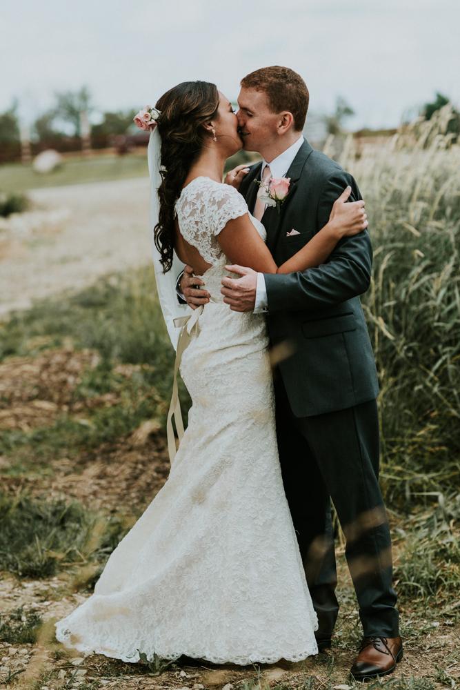Peacock-Ridge-Farm-Wedding-MalloryandJustin-Photographers-9.jpg