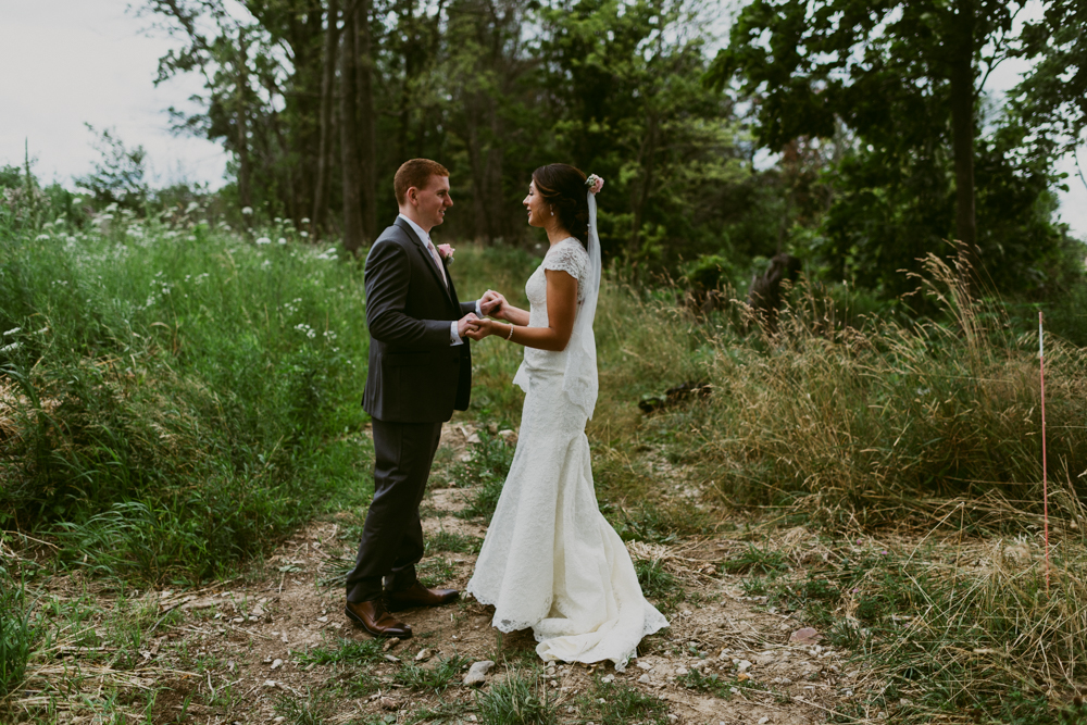 Peacock-Ridge-Farm-Wedding-MalloryandJustin-Photographers-12.jpg