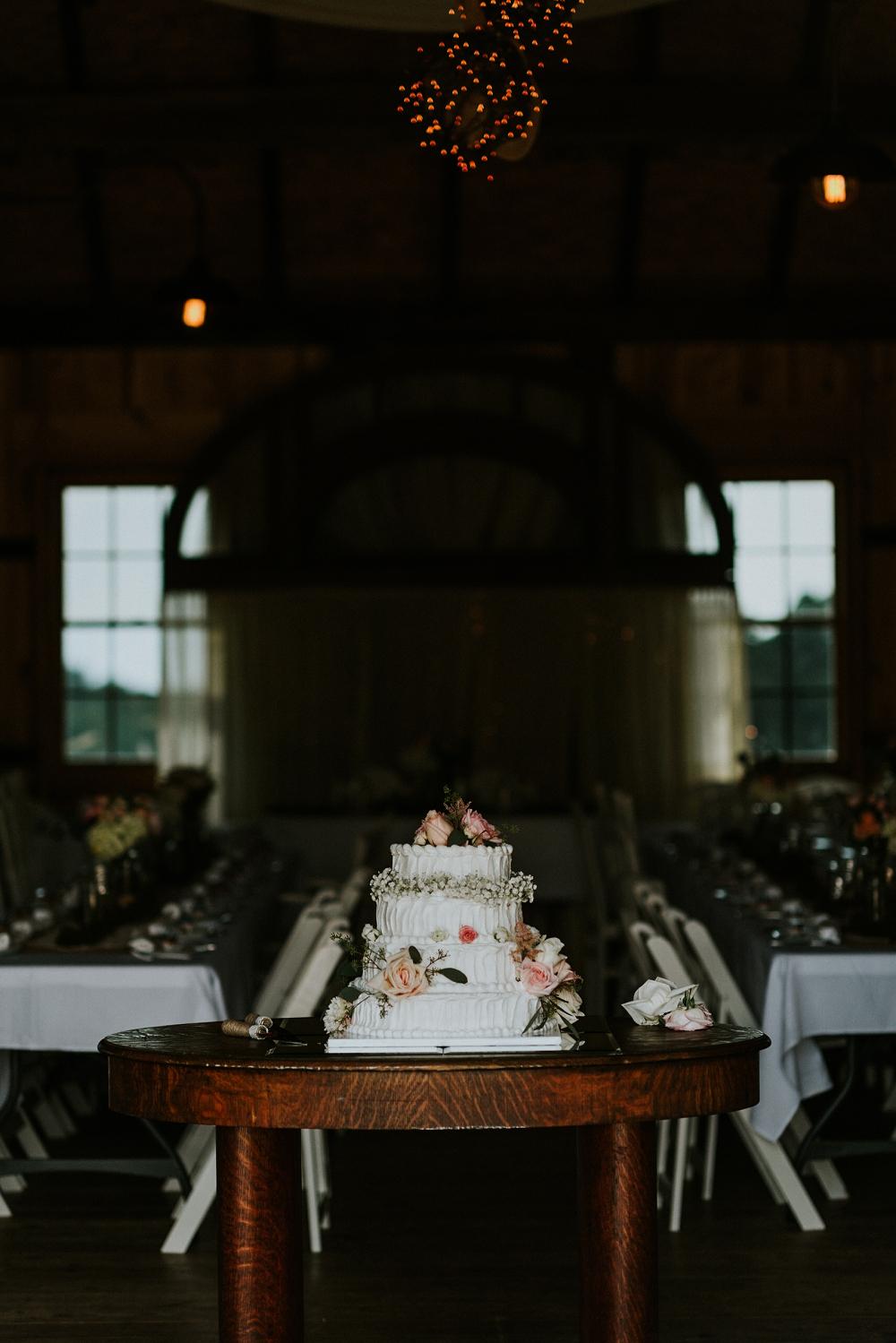 Peacock-Ridge-Farm-Wedding_Natalya+Charlie_MJPHOTO-553.jpg
