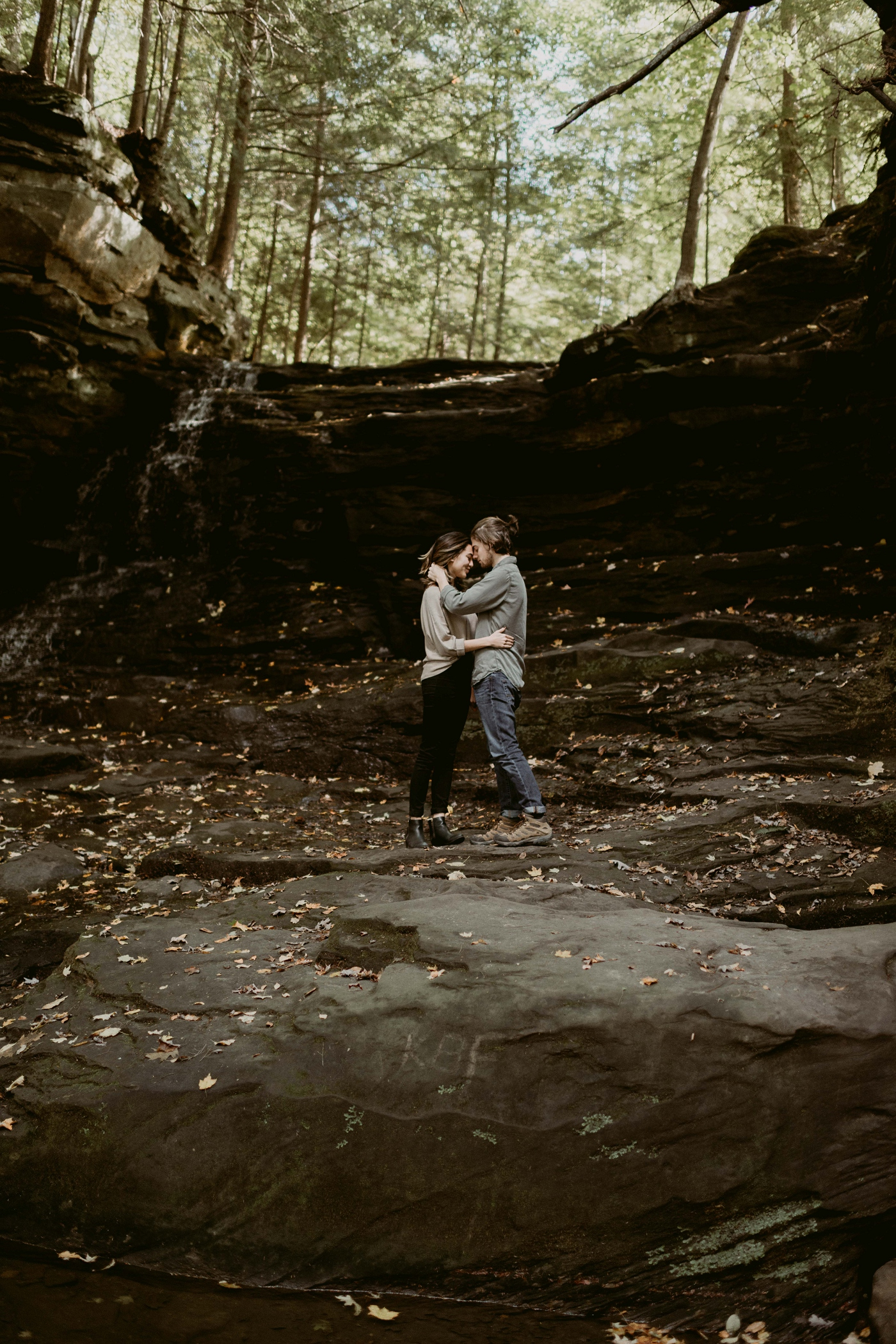 Wildnerness-Waterfall_Couples-Session_DocumentaryPhotographer_MJPHOTO-26.JPG