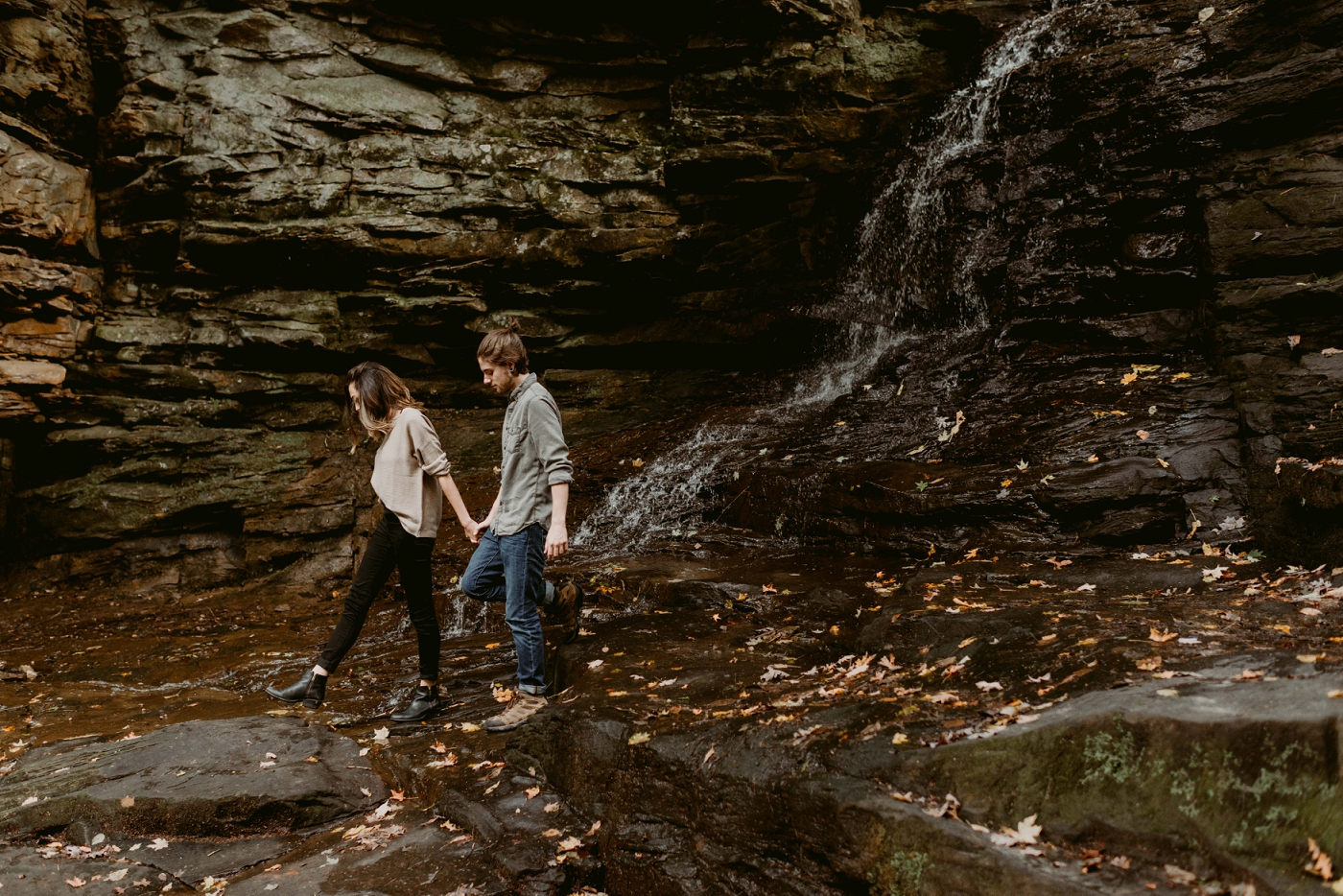 Wildnerness-Waterfall_Couples-Session_DocumentaryPhotographer_MJPHOTO-73.JPG