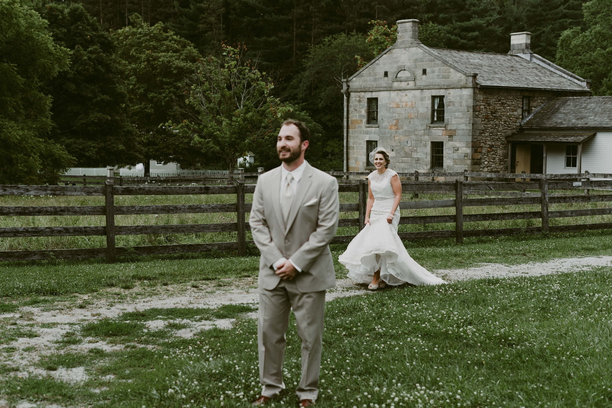 Hines-Hill-Farm-Cuyahoga-Valley-National-Park-Wedding_Emi+Andy_MJPHOTO-75.jpg