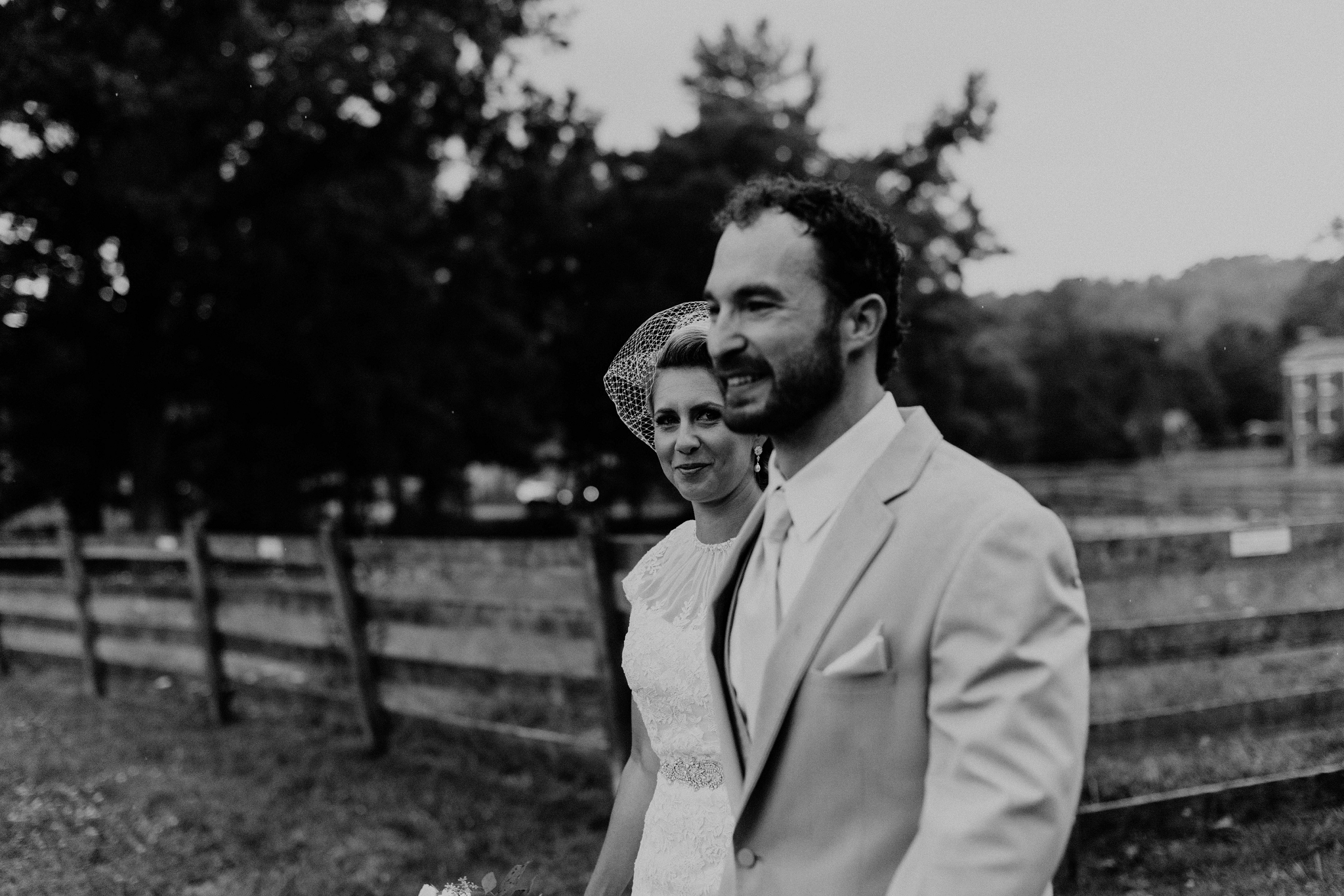 Hines-Hill-Farm-Cuyahoga-Valley-National-Park-Wedding_Emi+Andy_MJPHOTO-111.jpg