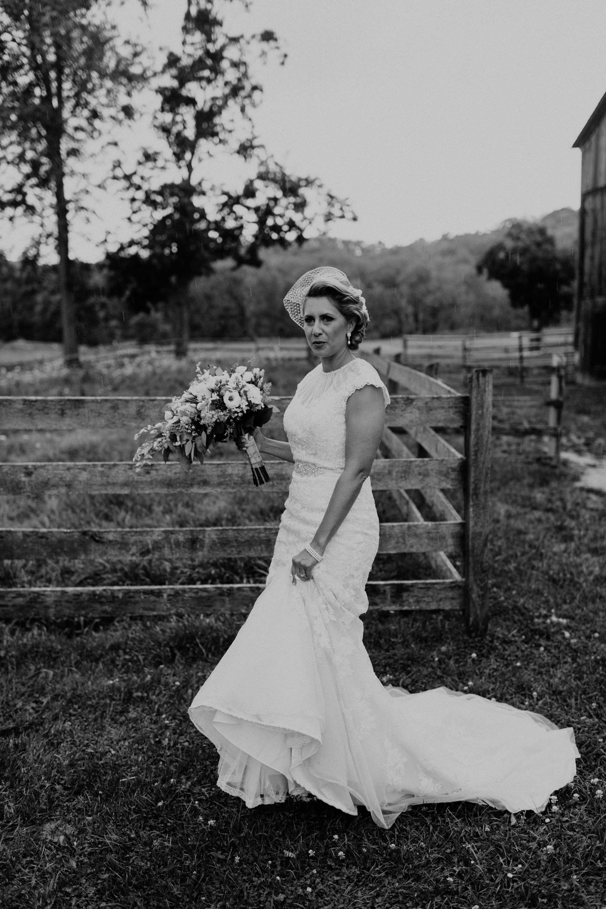 Hines-Hill-Farm-Cuyahoga-Valley-National-Park-Wedding_Emi+Andy_MJPHOTO-119.jpg