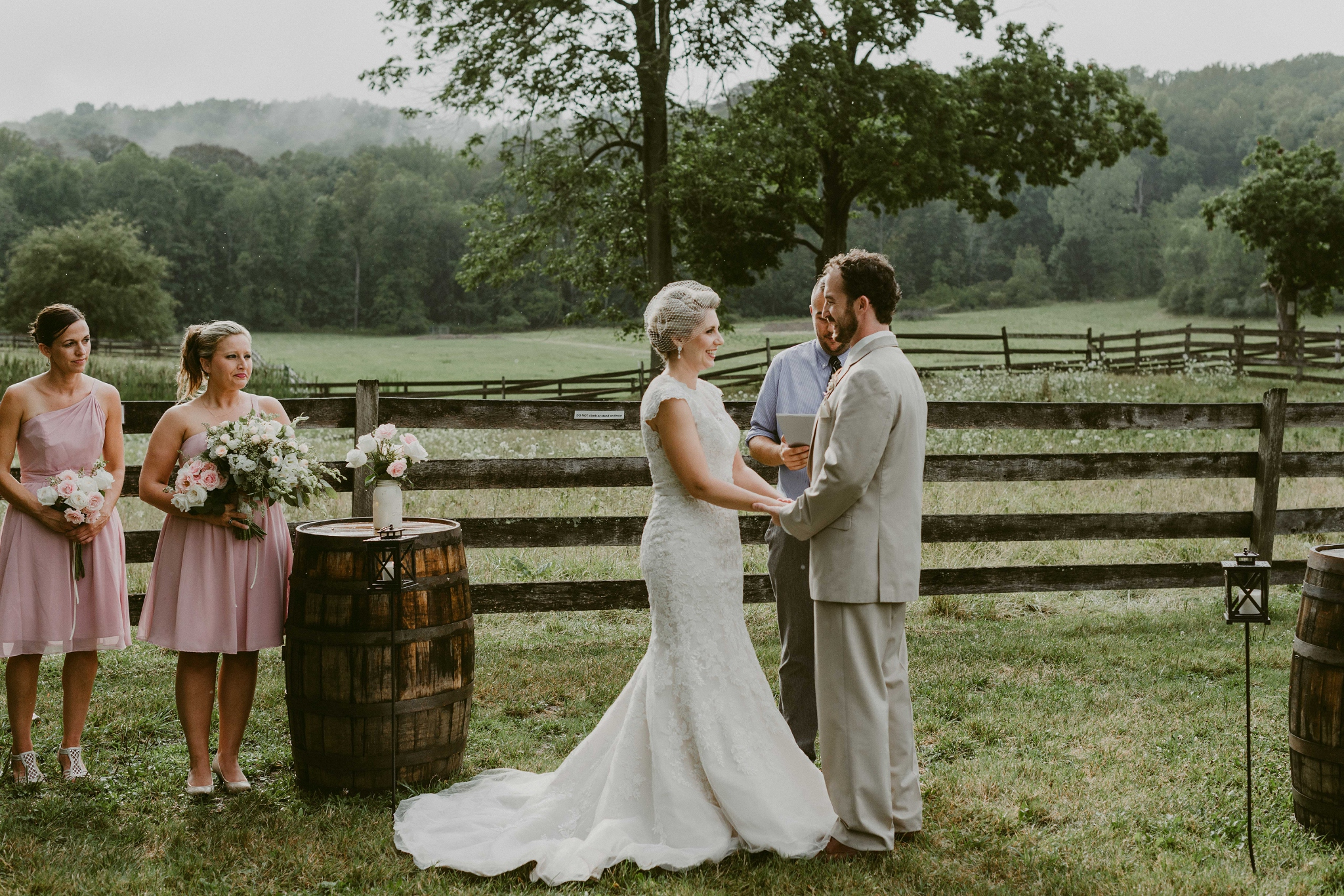 Hines-Hill-Farm-Cuyahoga-Valley-National-Park-Wedding_Emi+Andy_MJPHOTO-494.jpg