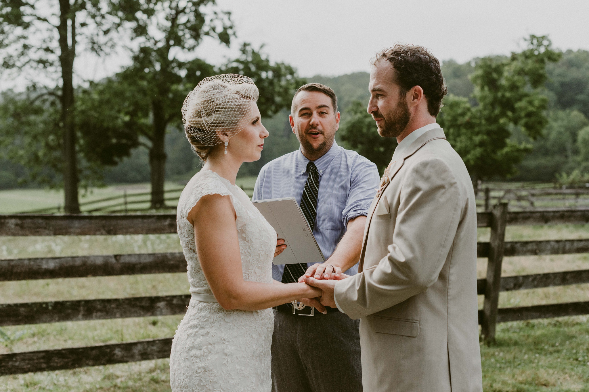 Hines-Hill-Farm-Cuyahoga-Valley-National-Park-Wedding_Emi+Andy_MJPHOTO-506.jpg