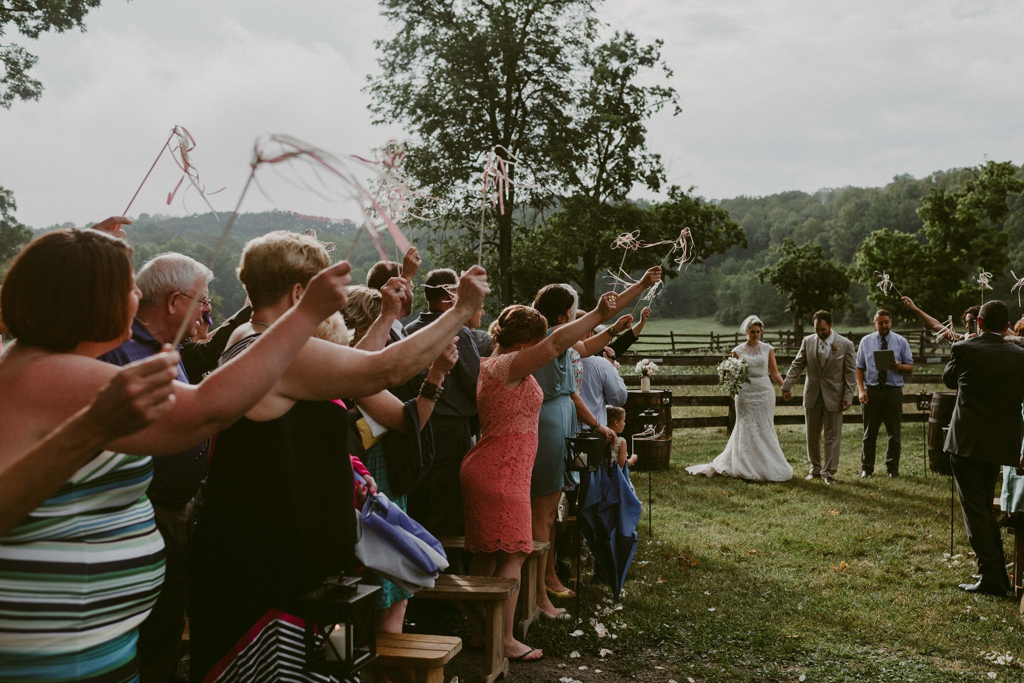 Hines-Hill-Farm-Cuyahoga-Valley-National-Park-Wedding_Emi+Andy_MJPHOTO-523.jpg