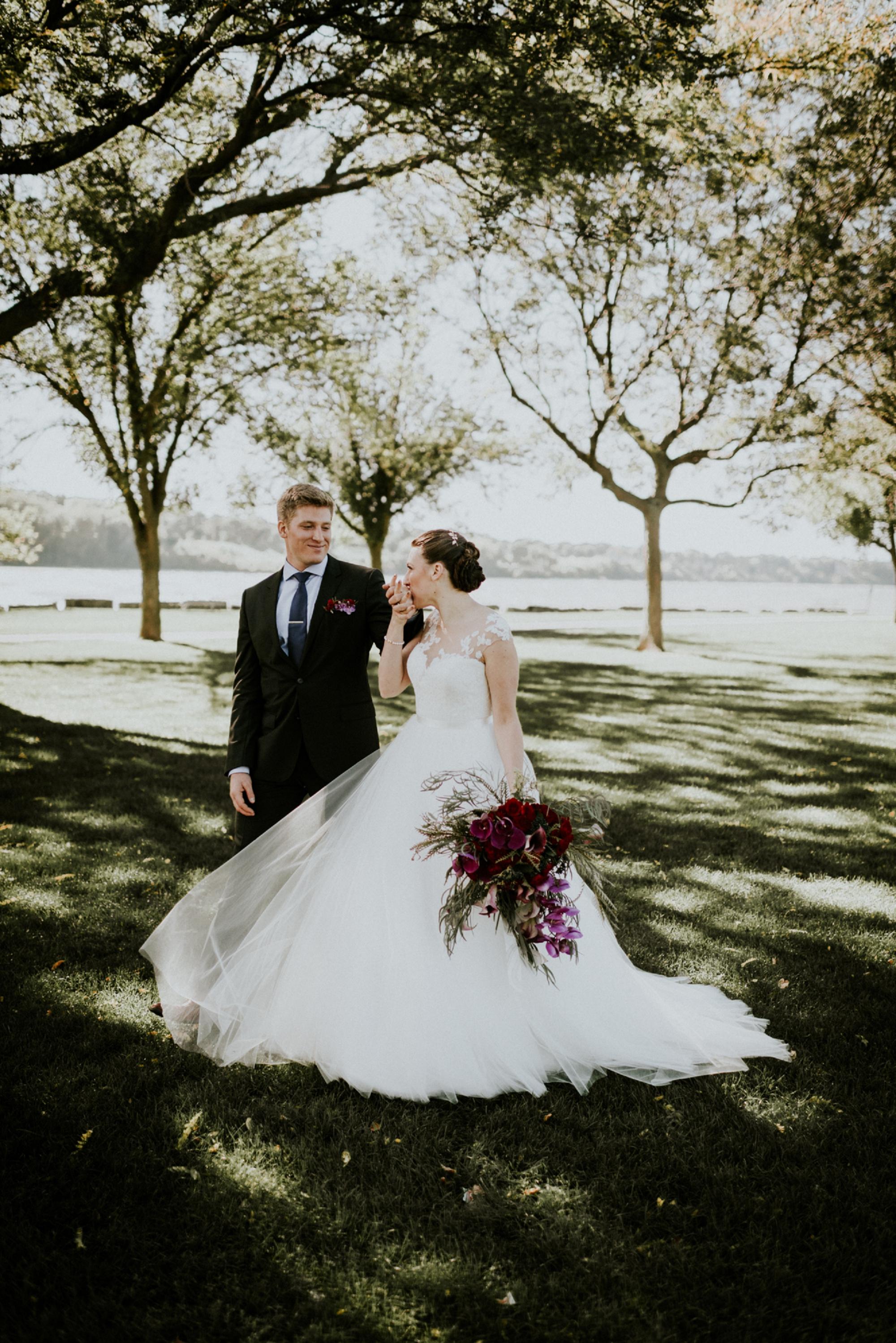 Romantic-Industrial-Warehouse-Wedding_Mallory+Justin-Photographers_0179.jpg
