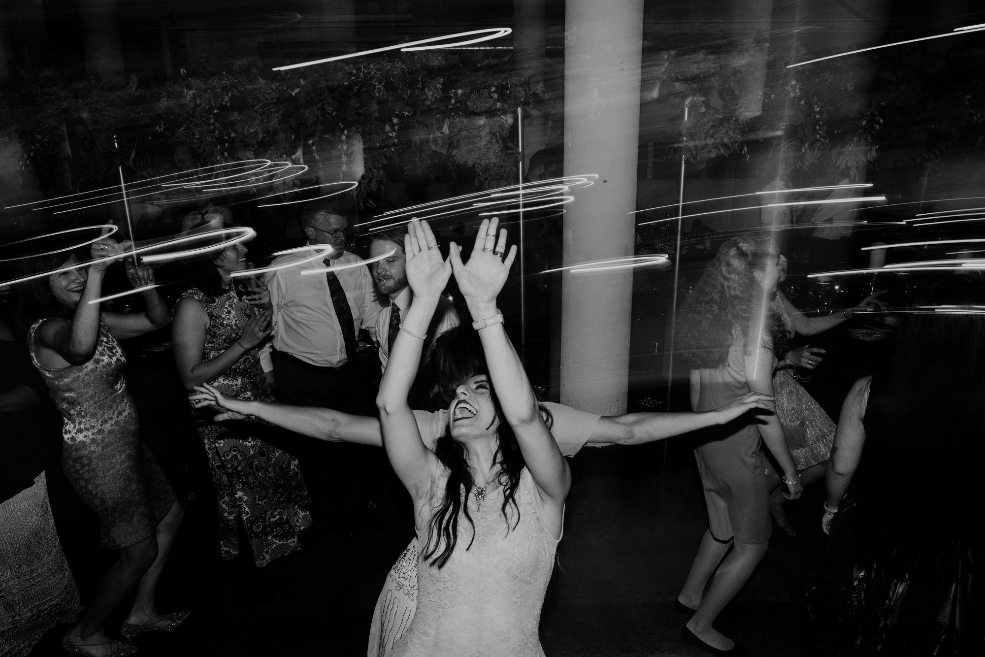 Romantic-Industrial-Warehouse-Wedding_Mallory+Justin-Photographers_0200.jpg