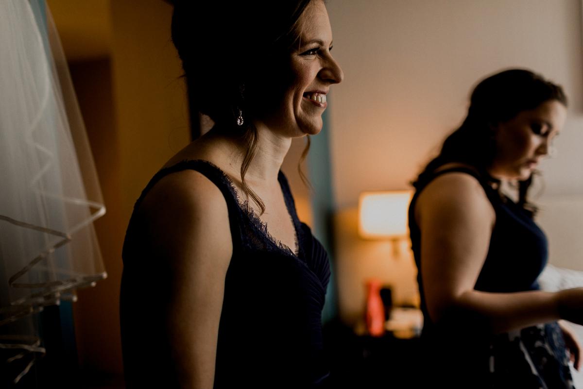 Rachel+Michael_Lake-Erie-Building-Cleveland-Wedding_M+J-Photographers-42.jpg