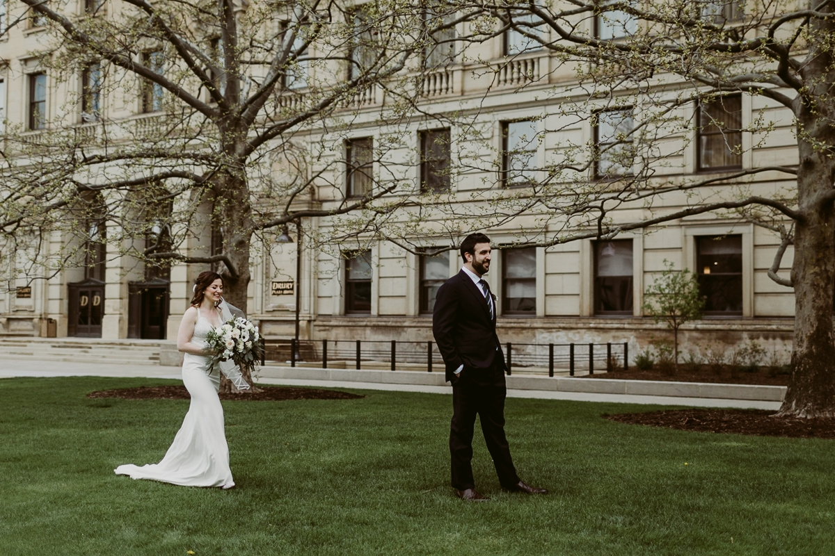 Rachel+Michael_Lake-Erie-Building-Cleveland-Wedding_M+J-Photographers-73.jpg