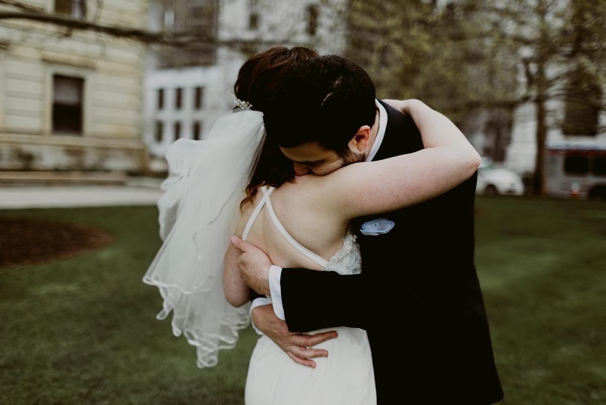 Rachel+Michael_Lake-Erie-Building-Cleveland-Wedding_M+J-Photographers-78.jpg