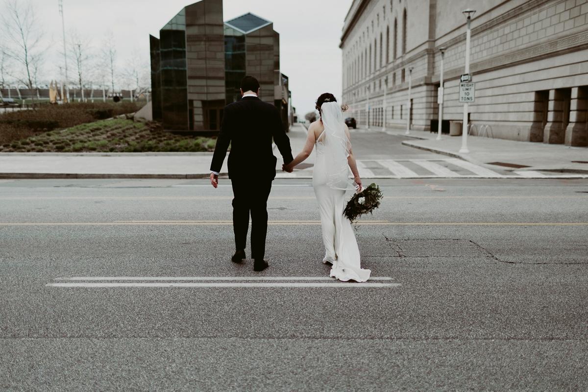 Rachel+Michael_Lake-Erie-Building-Cleveland-Wedding_M+J-Photographers-113.jpg