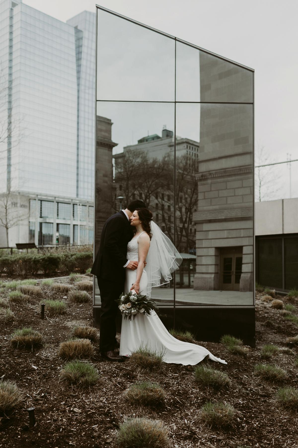 Rachel+Michael_Lake-Erie-Building-Cleveland-Wedding_M+J-Photographers-120.jpg