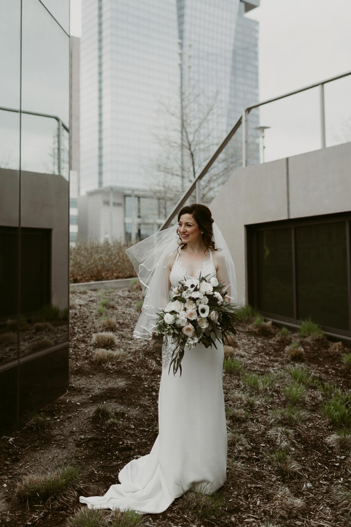 Rachel+Michael_Lake-Erie-Building-Cleveland-Wedding_M+J-Photographers-130.jpg